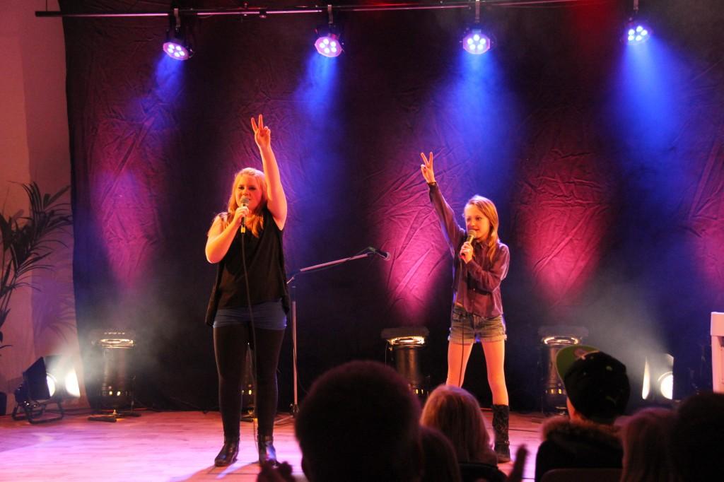 Gråbo Talangen 2014 #03 Jennie&Vanessa - Kan det bli vi två (foto Johan Holst)