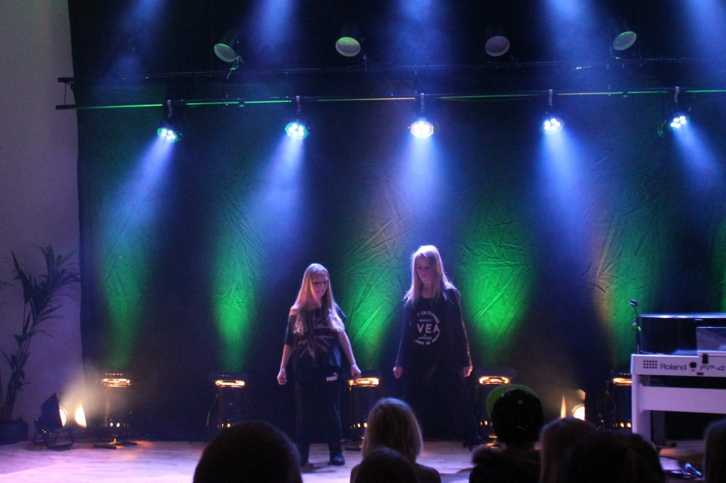 Gråbo Talangen 2014 #12 Lisa & Olga - Dans (foto Johan Holst)