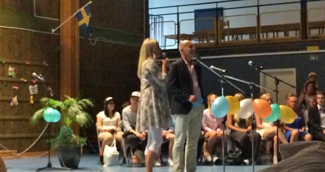Sommarsång och rektorstal på Röselidsskolans avslutning