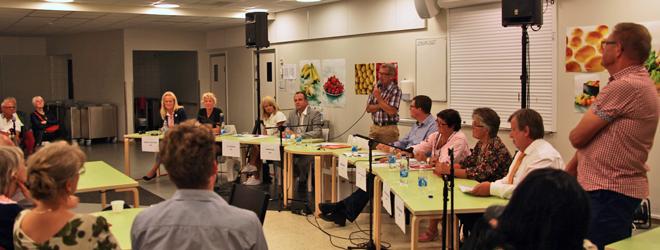 Politikerutfrågning i Gråbo (Foto: Johan Holst)